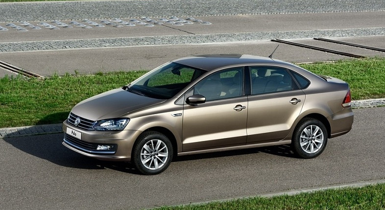 Тест-драйв автомобиля Volkswagen Polo sedan 2015-2017